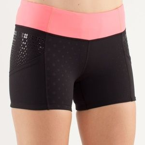 Lululemon Run: Shorty Short Pink Black Faded Dot